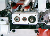 Четырехсторонний станок Richman VH-M412 - устройство подачи коротких заготовок